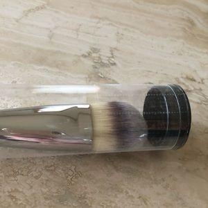 NEW IT Cosmetics Brush